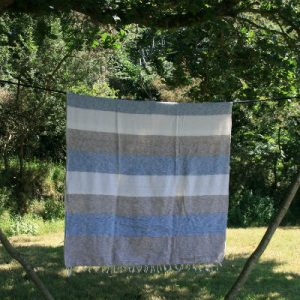 Tibetaanse deken naturel grijs gestreept
