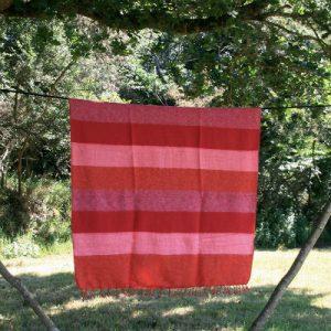 Tibetaanse deken rood oranje gestreept